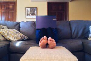 ventajas de tener empleo en casa