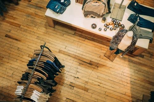 Cómo iniciar un negocio de venta de ropa